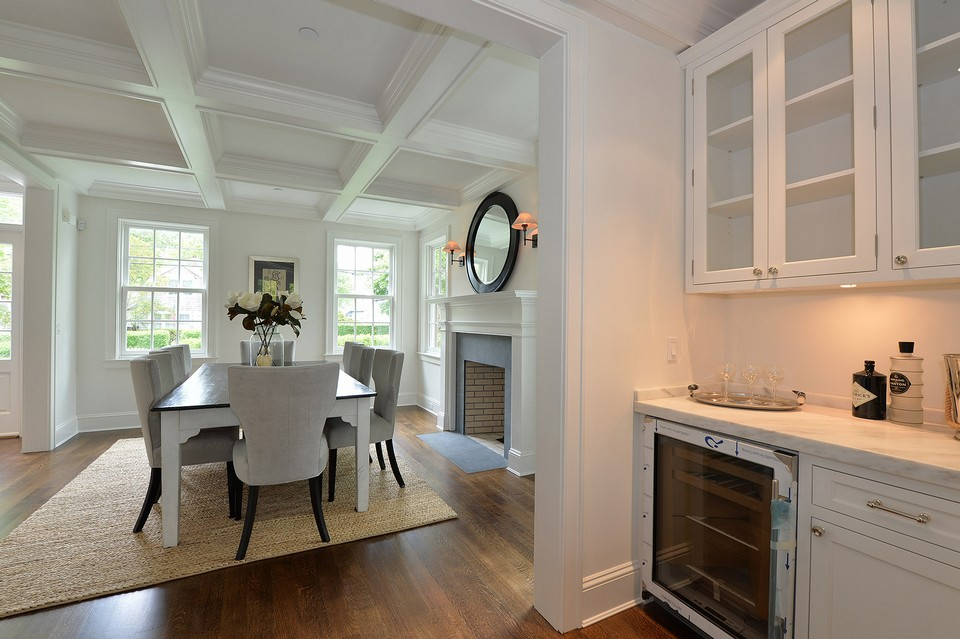 formal dining room from the butlers pantry